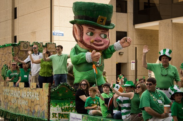 Image result for st. patrick's day parade, Sarah Worthy. Licensed under Attribution-ShareAlike. - See more at: https://www.tendenci.com/photos/332/in/15/#sthash.GbfKzChr.dpuf